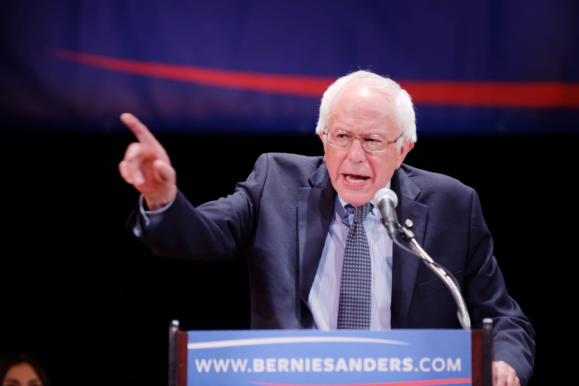BREAKING: Bernie Sanders LEADING in Latest New Hampshire Poll